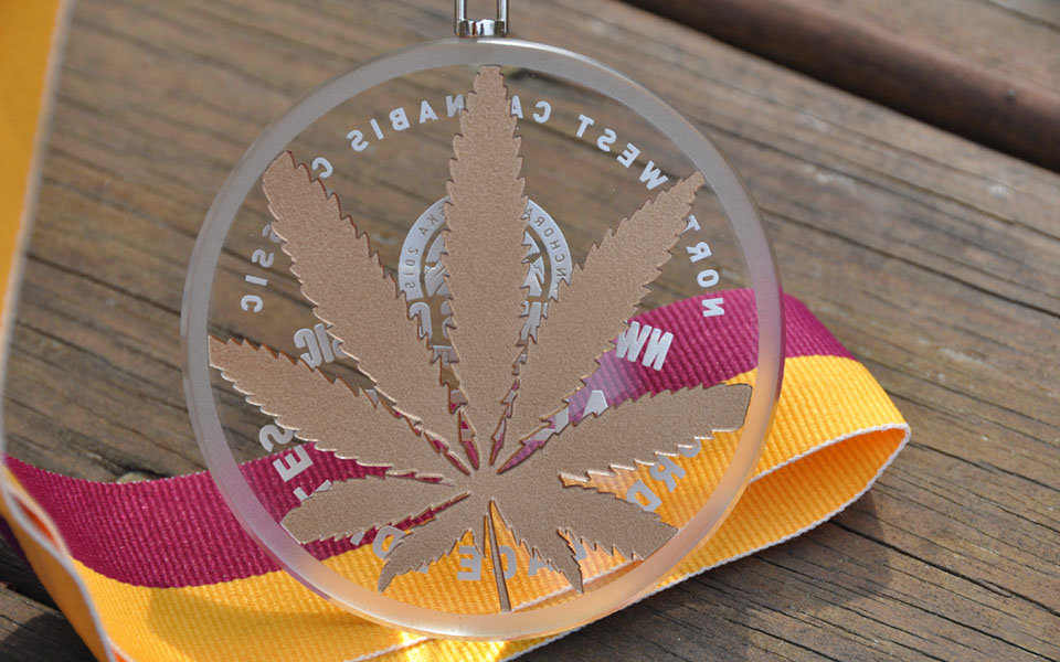 Crystal Glass Medals with Sandblasting